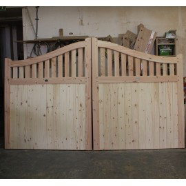 Douglas Fir/English Larch Swan Neck Driveway Gates
