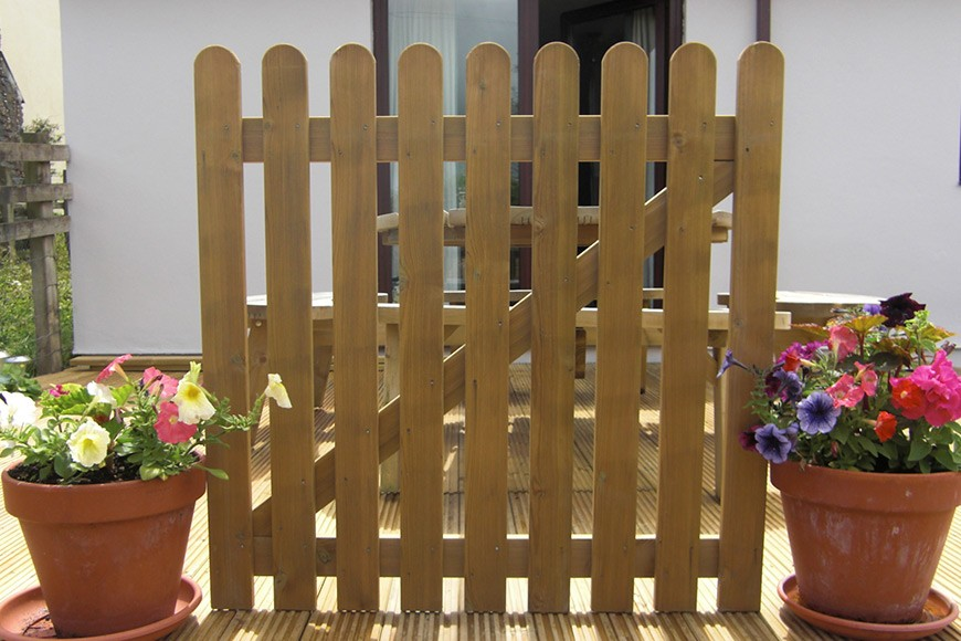 Traditional Styled Picket Fencing For Your New Garden