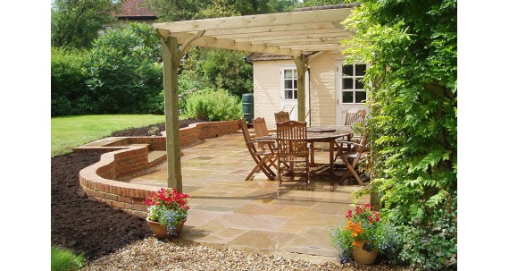 Enhance Your Garden With a Pergola or Terrace