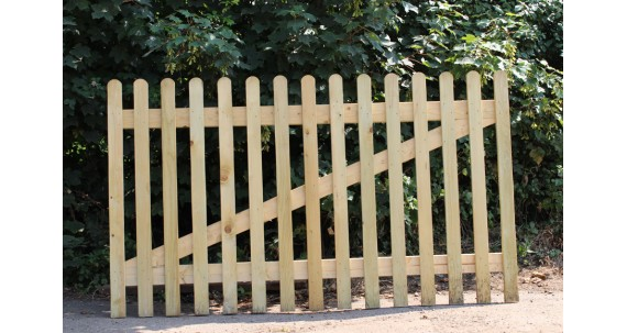 Make Your House Stand Out With Picket Fencing